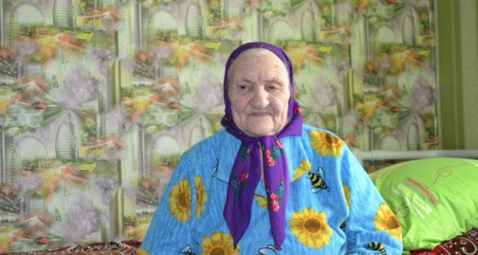 Жителька села Голубівка Лебединського району Ганна Панасівна Зимогляд