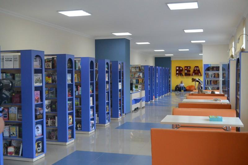 Бібліотека Тростянець