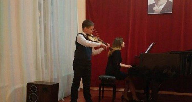 Лебединська музична школа імені Гмирі
