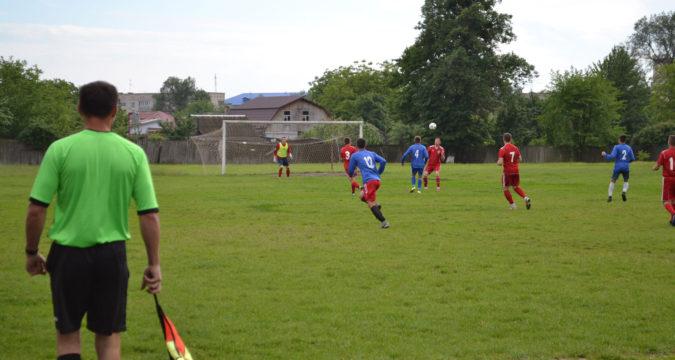 Лебединський футбол